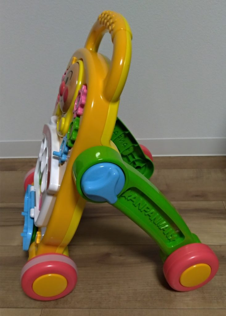アンパンマンよくばりすくすくウォーカー(歩行器)